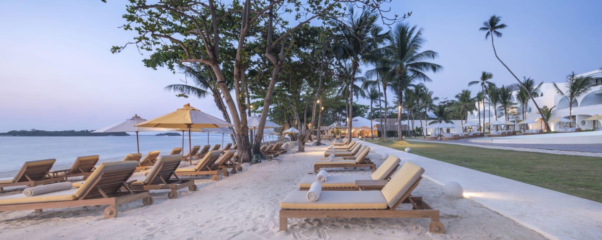 SALA Samui Chaweng Beach Resort in Ko Samui: Beach