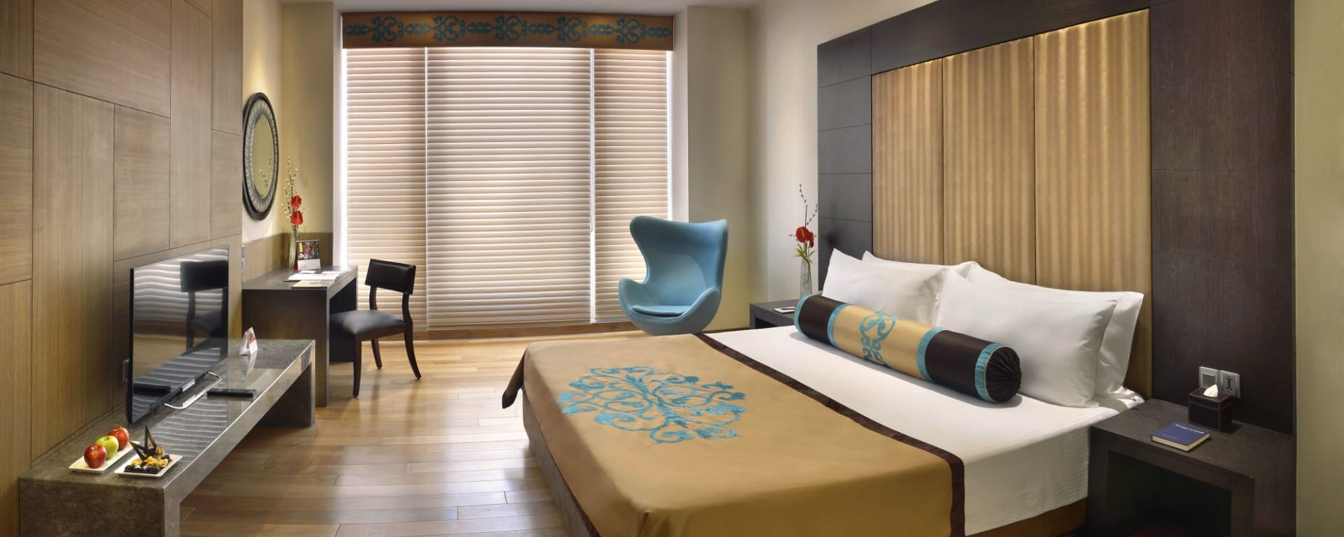 The Lalit Great Eastern in Kolkata: New Block - Deluxe Room