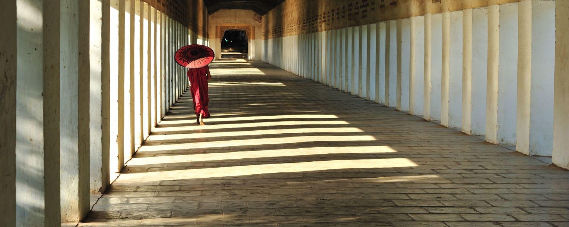 Wissenswertes zu Myanmar Reisen und Ferien: Young Buddhist monk