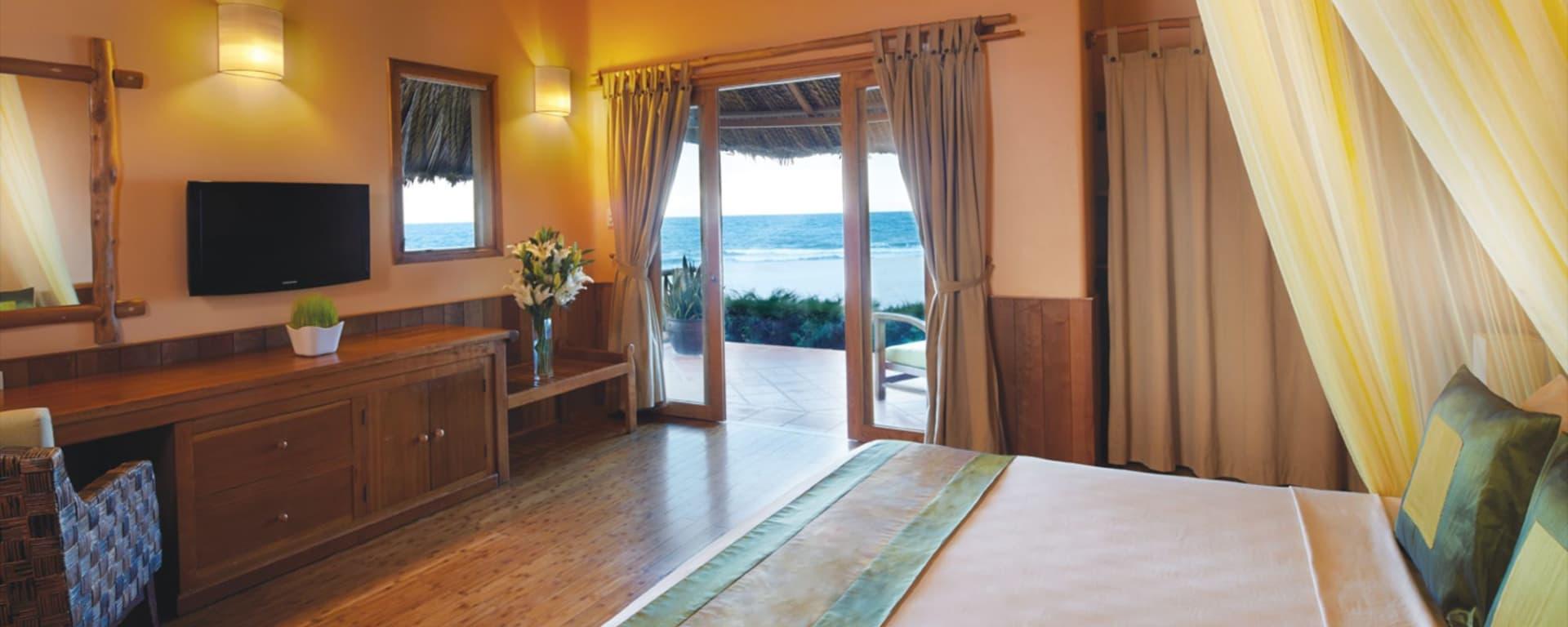 Sailing Club Resort Mui Ne in Phan Thiet: Deluxe Beach Front Bungalow