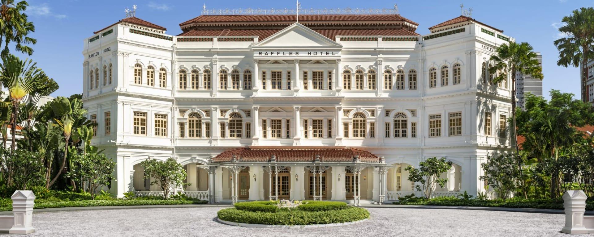 Raffles Singapore in Singapur: Full Hotel Facade Day