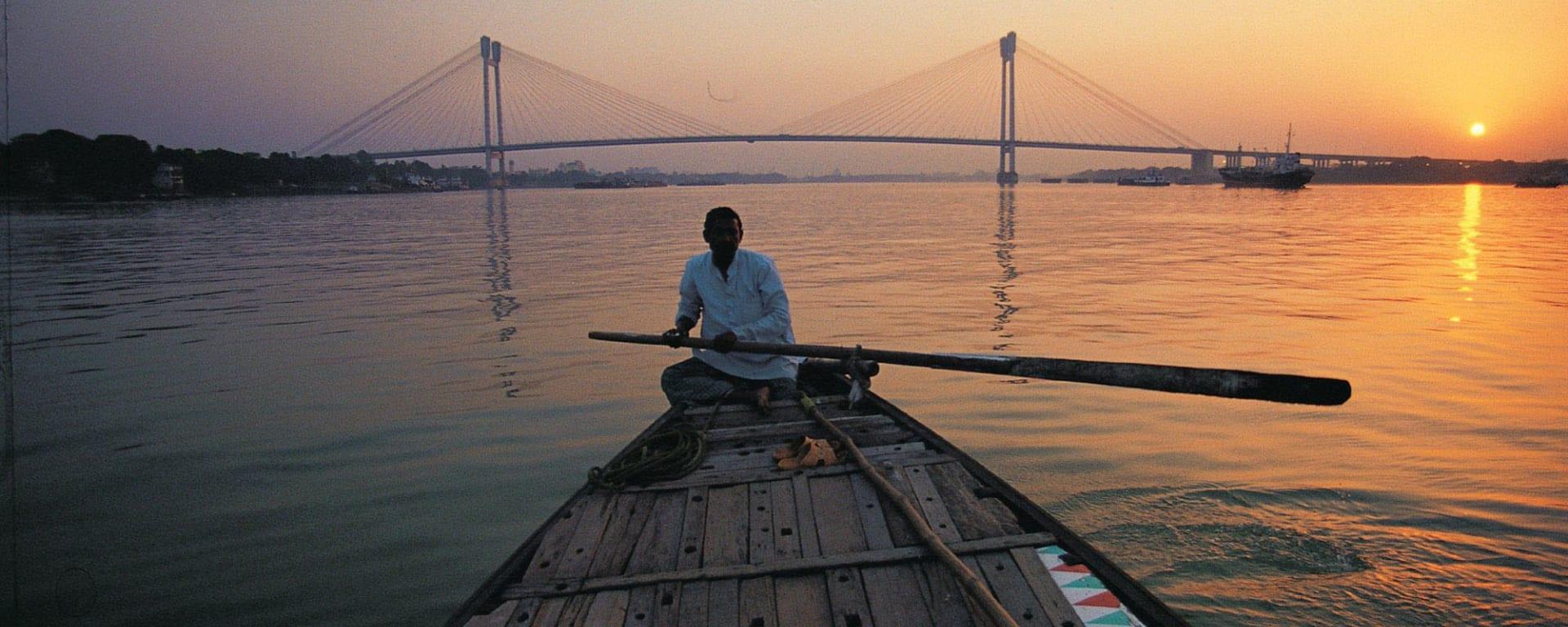 Coucher du soleil sur la rivière Hooghly à Kolkata: Kolkata Hooghly River