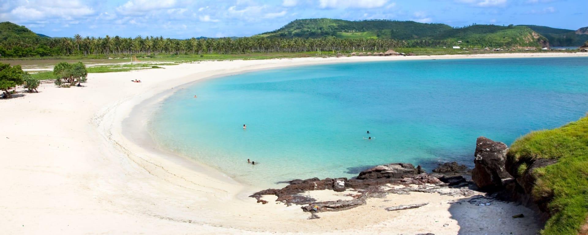 Die Kultur der Sasak in Lombok: Lombok Tanjung Aan Beach