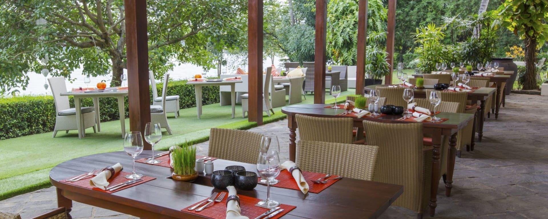 Anantara Hoi An Resort: Hoi An Riverside Restaurant