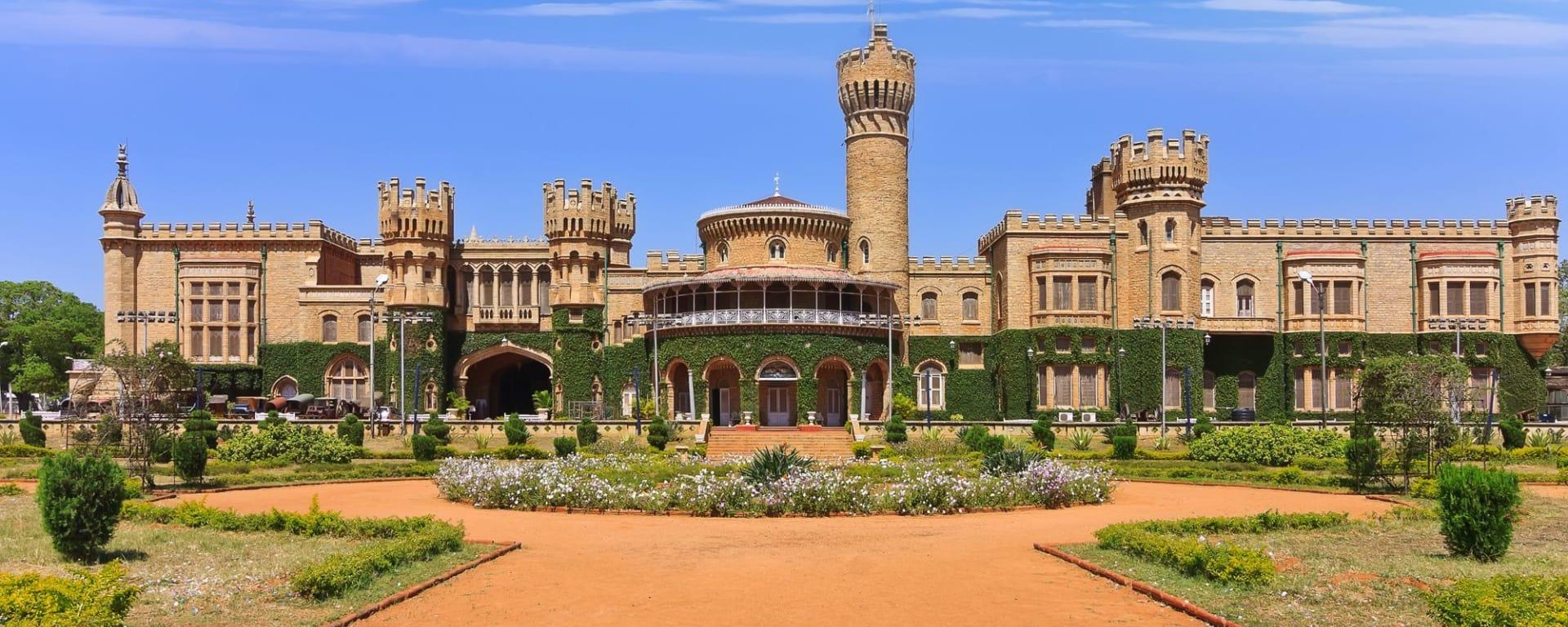 Le sud diversifié de l'Inde de Kochi: Bangalore: Palace