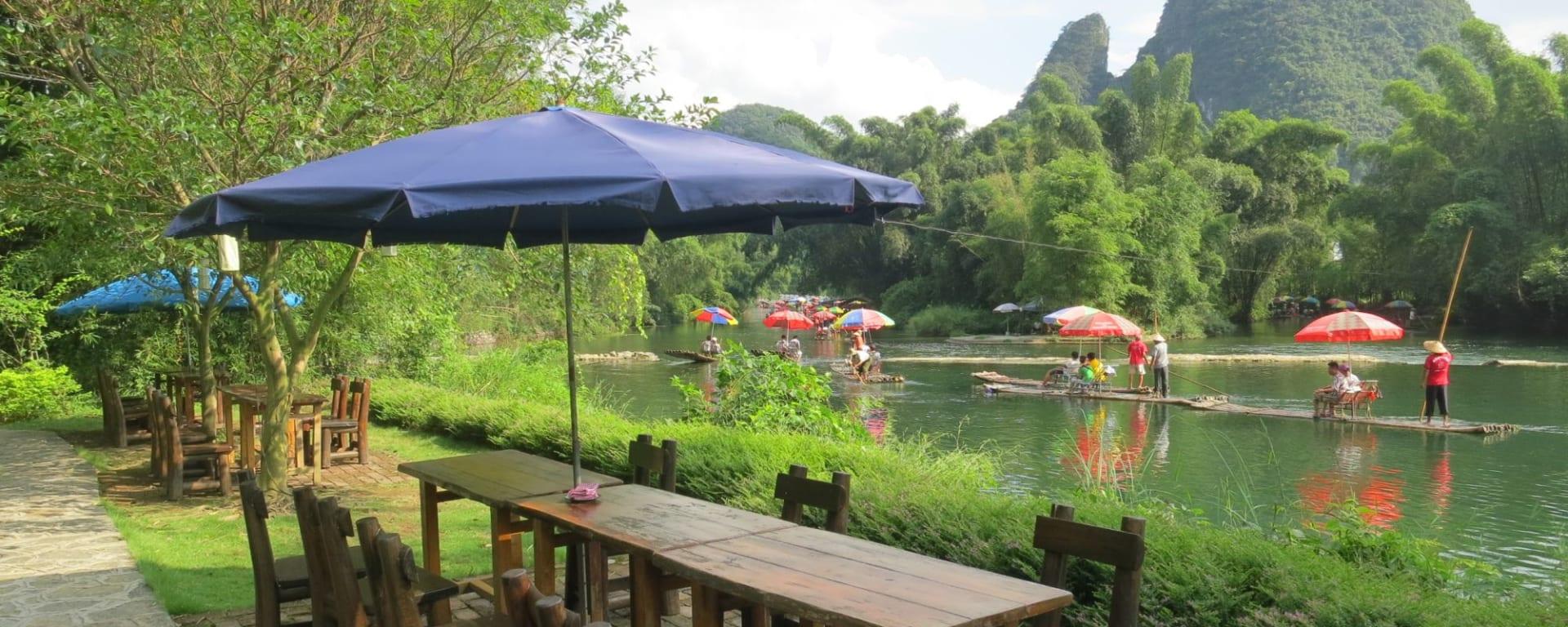 Yangshuo Mountain Retreat: River View