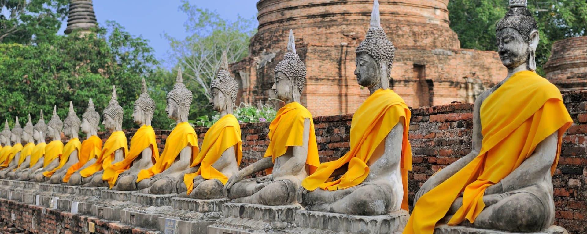 Ayutthaya mit «White Orchid» Schiff in Bangkok: Ayutthaya