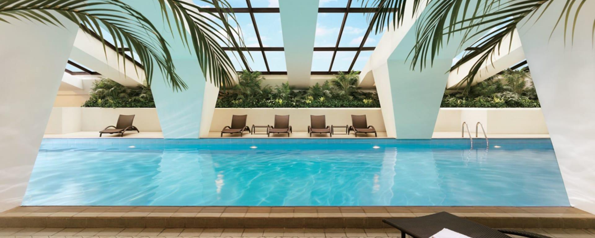 Royal Macau: Swimming Pool Day