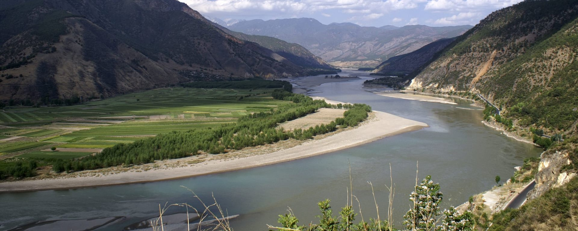 Circuit spectaculaire du Yunnan au Tibet de Kunming: Bend of Yangtze River in Shigu 002