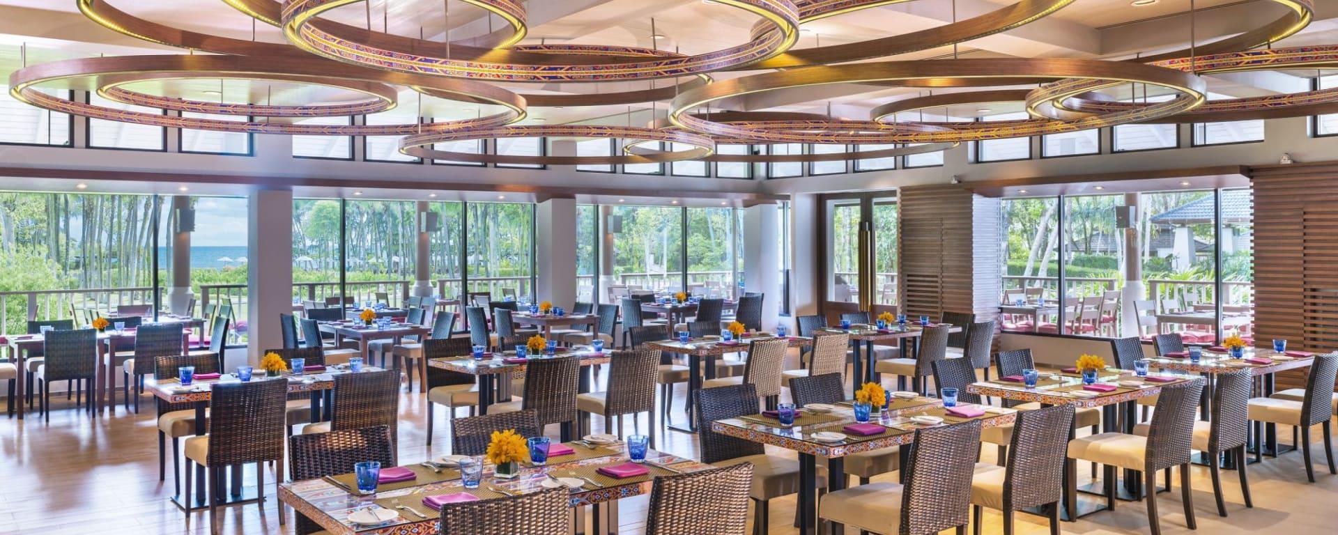 Dusit Thani Krabi Beach Resort: Mangosteens Restaurant