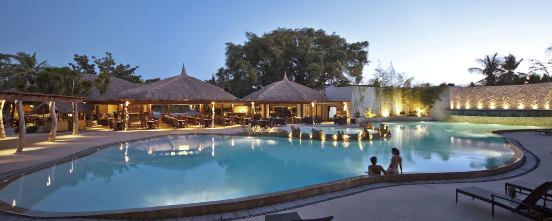 Bluewater Maribago Beach Resort à Cebu: Restaurant Poolside