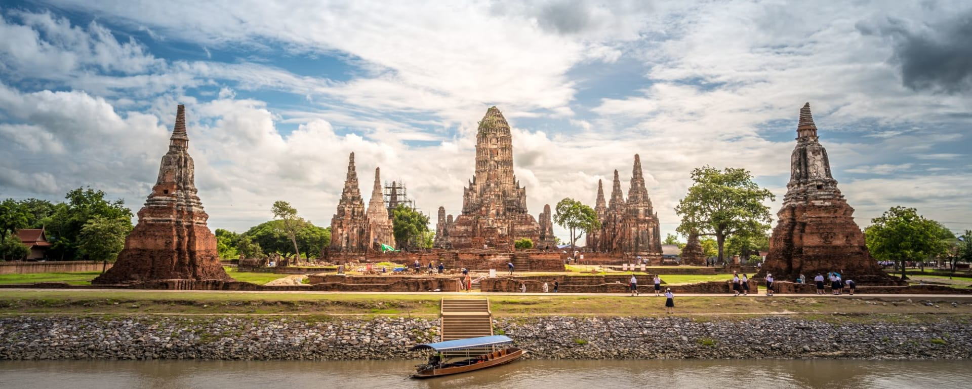 Ayutthaya mit «White Orchid» Schiff in Bangkok: Ayutthaya Wat Chai Wattanaram