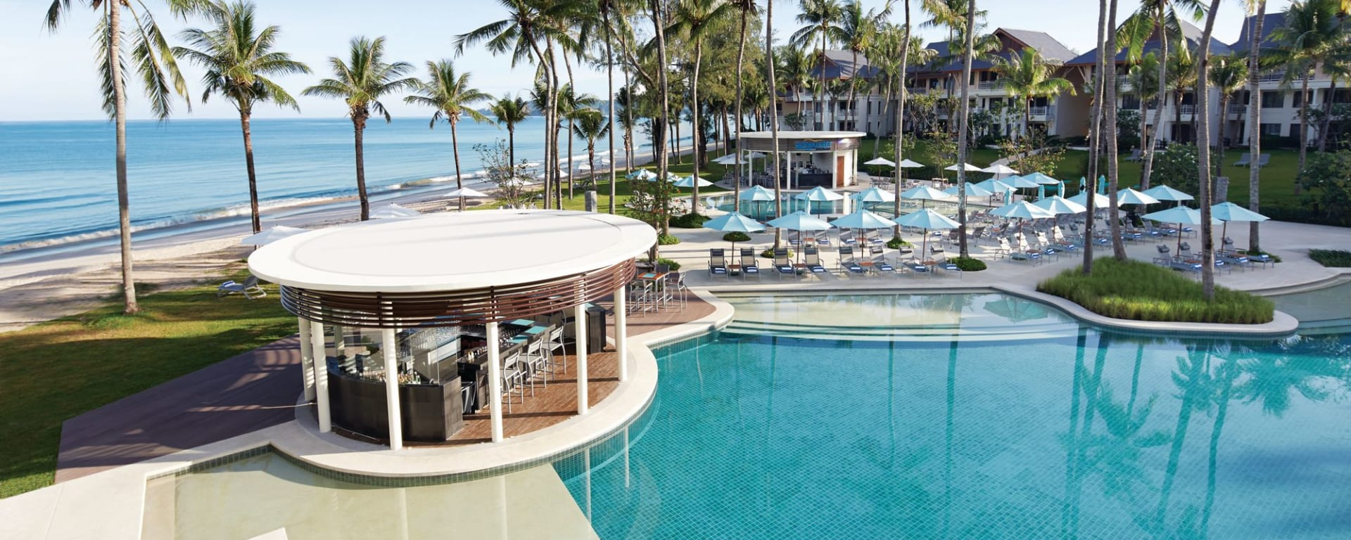 Outrigger Laguna Phuket Beach Resort: Restaurant & Bar - Edgewater
