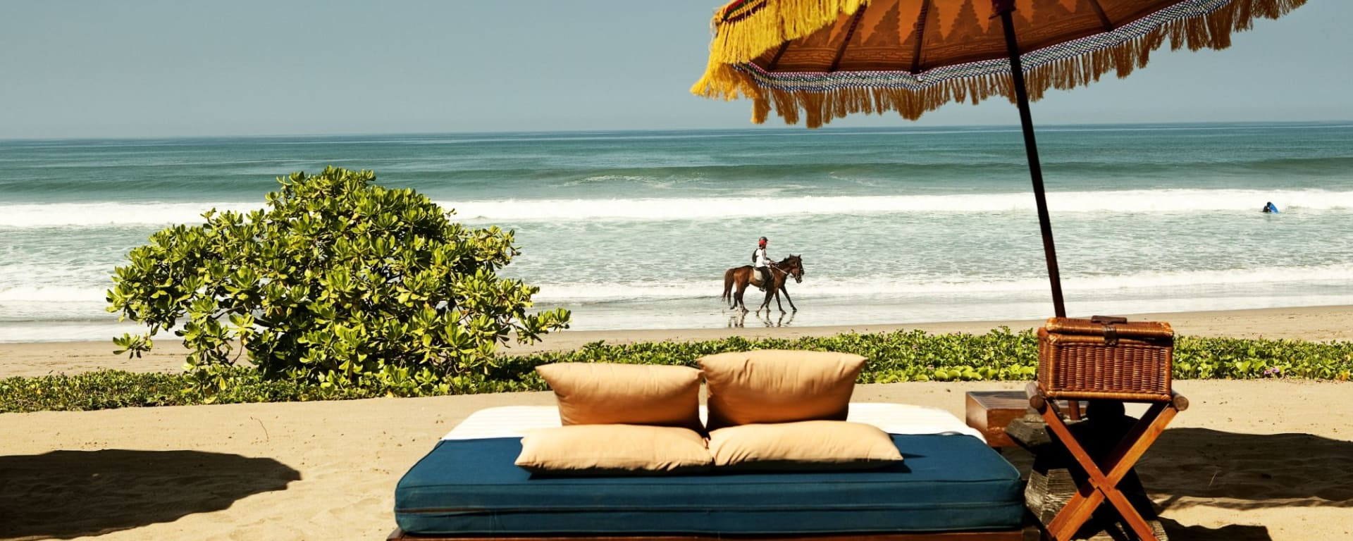 The Oberoi Beach Resort, Bali à Sud de Bali: Day bed by the beach