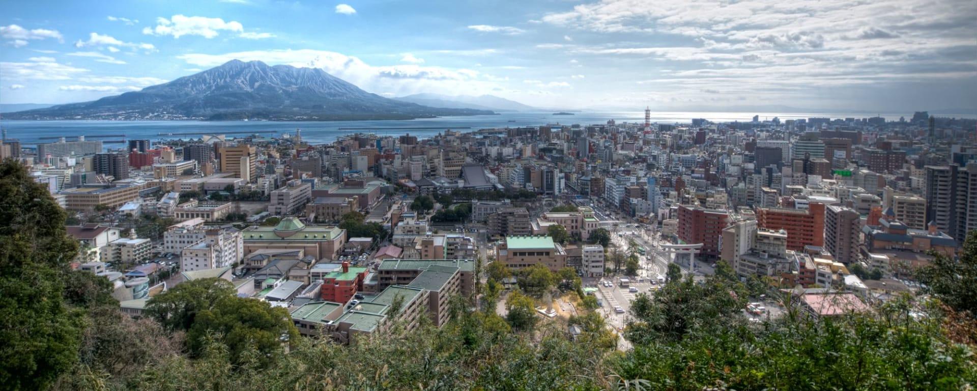 Les hauts lieux du Japon avec prolongation de Tokyo: Kagoshima city with Sakurajima Volcano