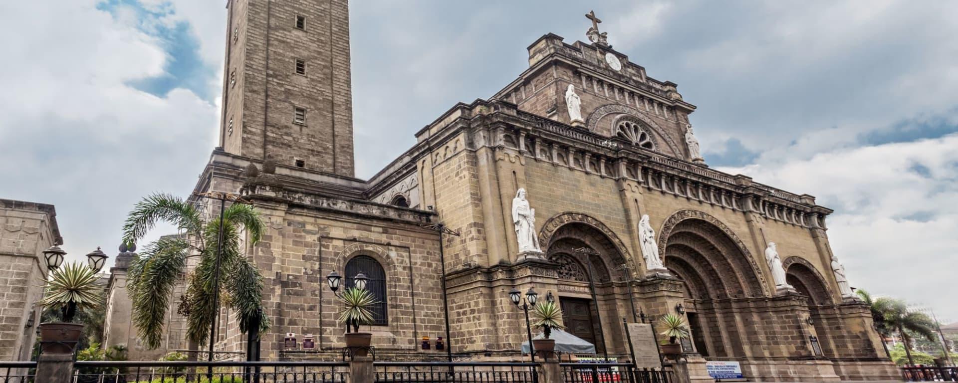 Le vieux Manille sur un vélo de bambou: Manila Cathedral at Intramuros