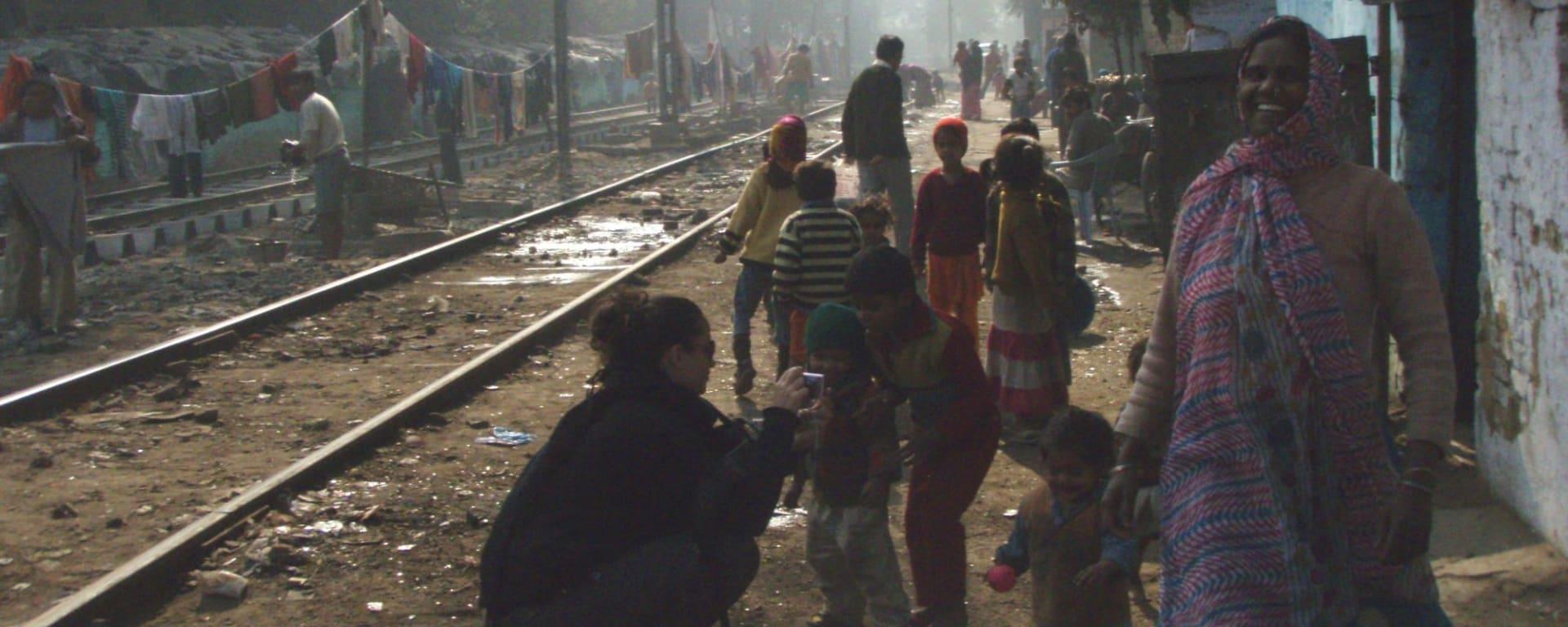Unterwegs mit einstigen Strassenkindern in Delhi: Salaam Baalak2
