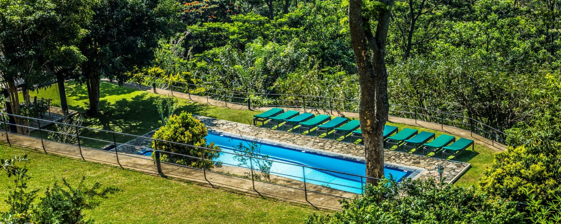 Melheim Resort in Ella/Haputale/Koslanda: Garden with Pool