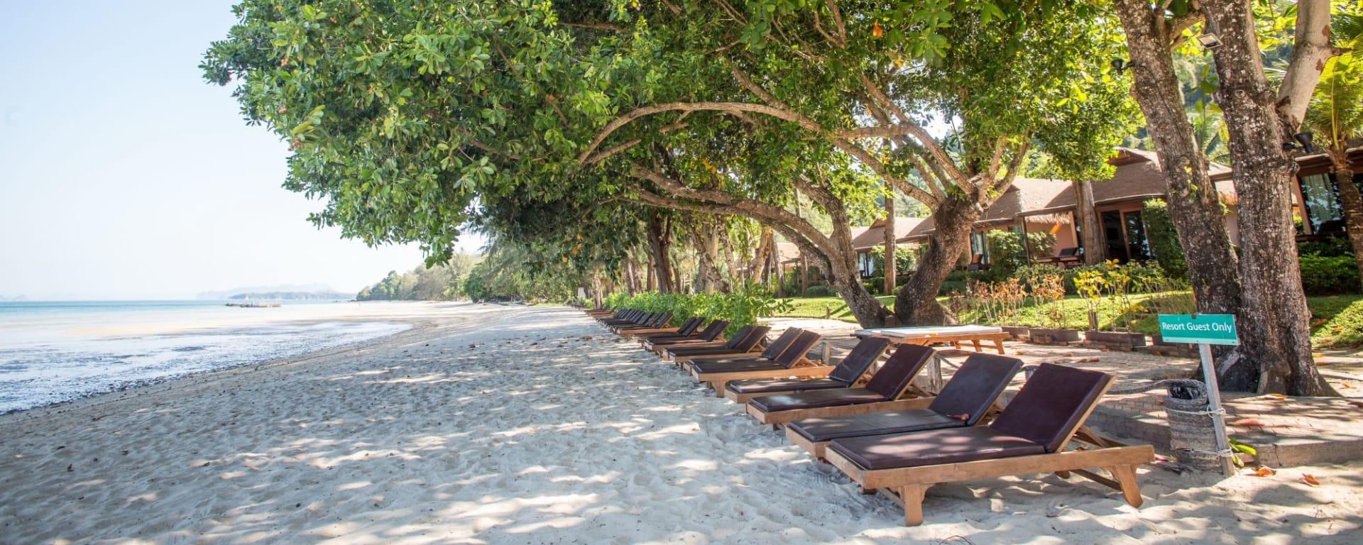 Tup Kaek Sunset Beach Resort à Krabi: Beach View