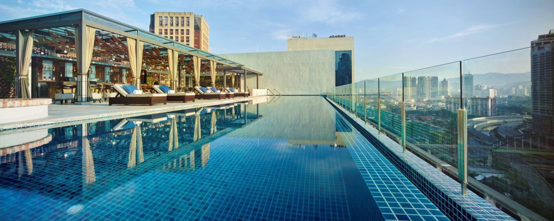 Hotel Stripes Kuala Lumpur: Rooftop Swimming Pool