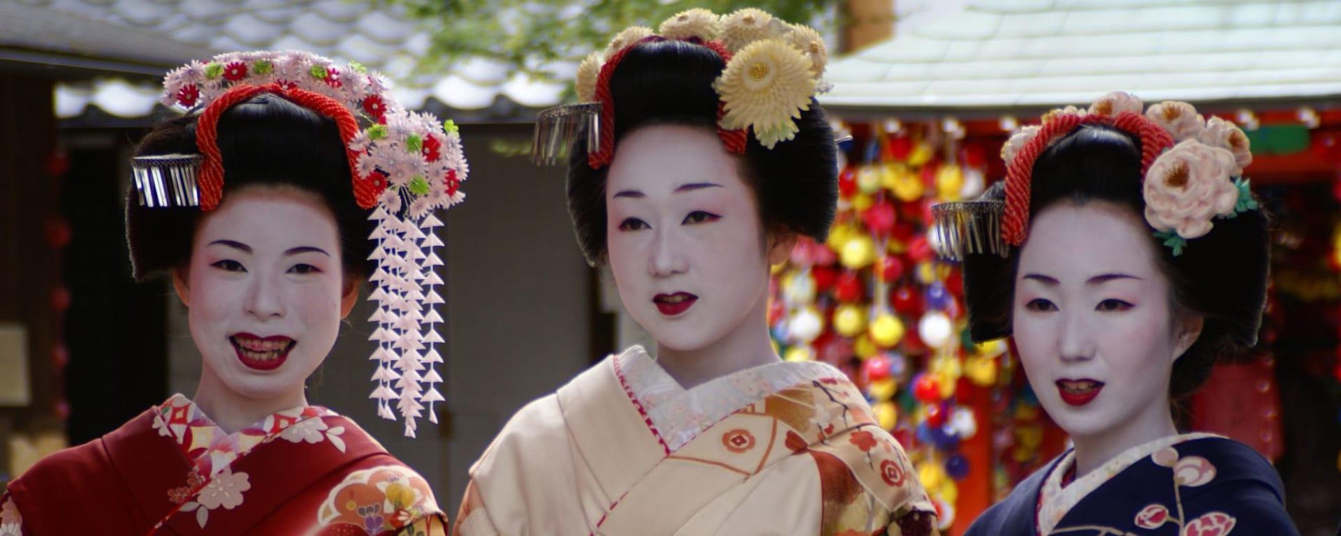 Côté méconnu de Kyoto à vélo - demi journée: Geishas Kyoto 1