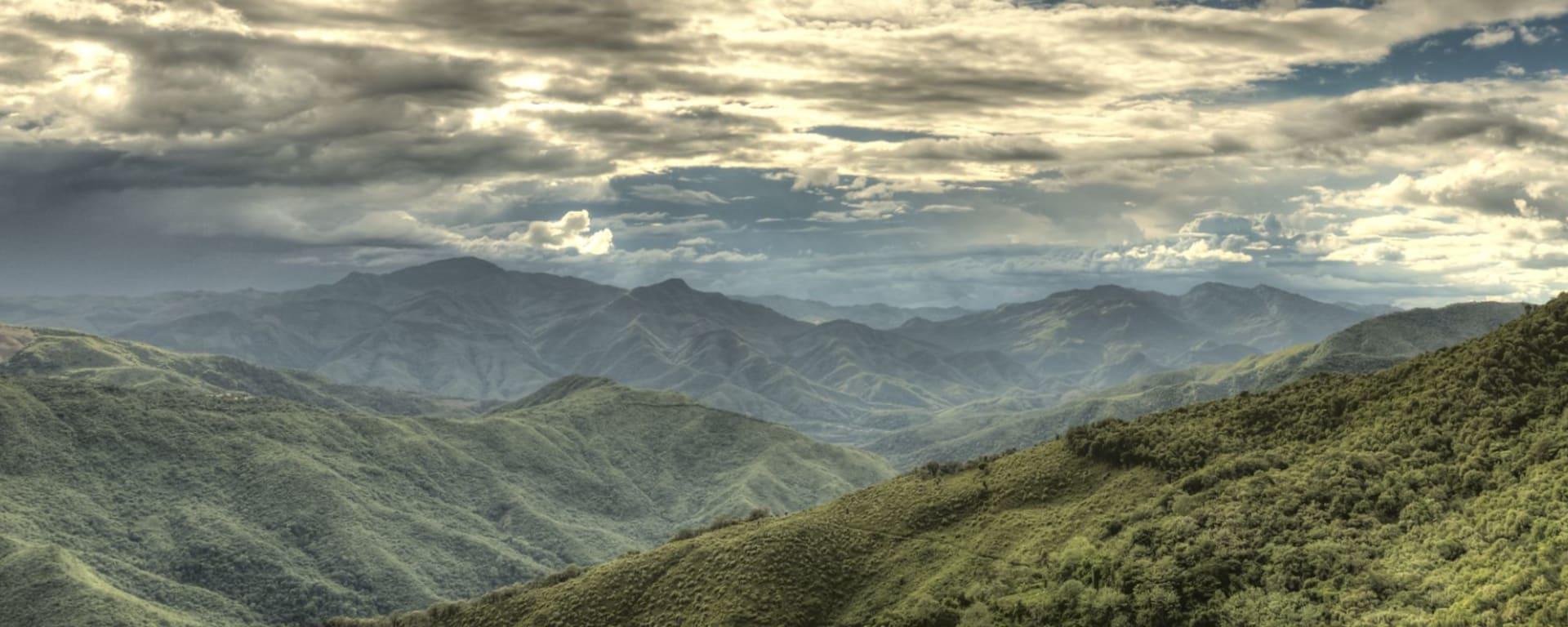 Excursion dans les montagnes de Chin de Bagan: Mountainous Region in Chin State