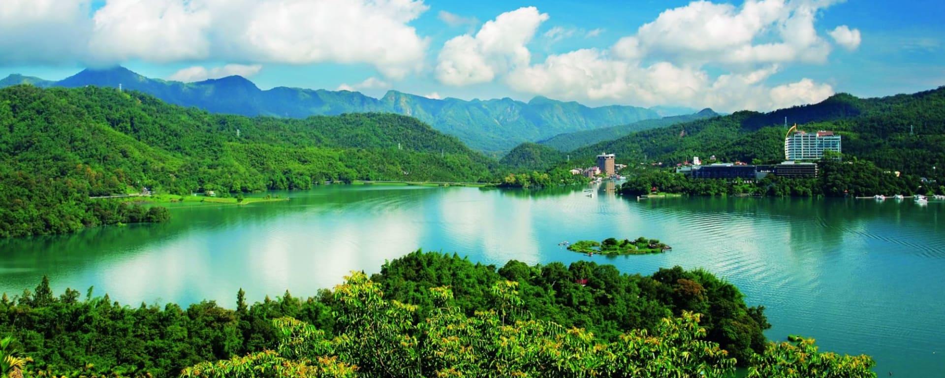 Voyages en Taïwan | Vacances en Asie par tourasia: Sun Moon Lake: