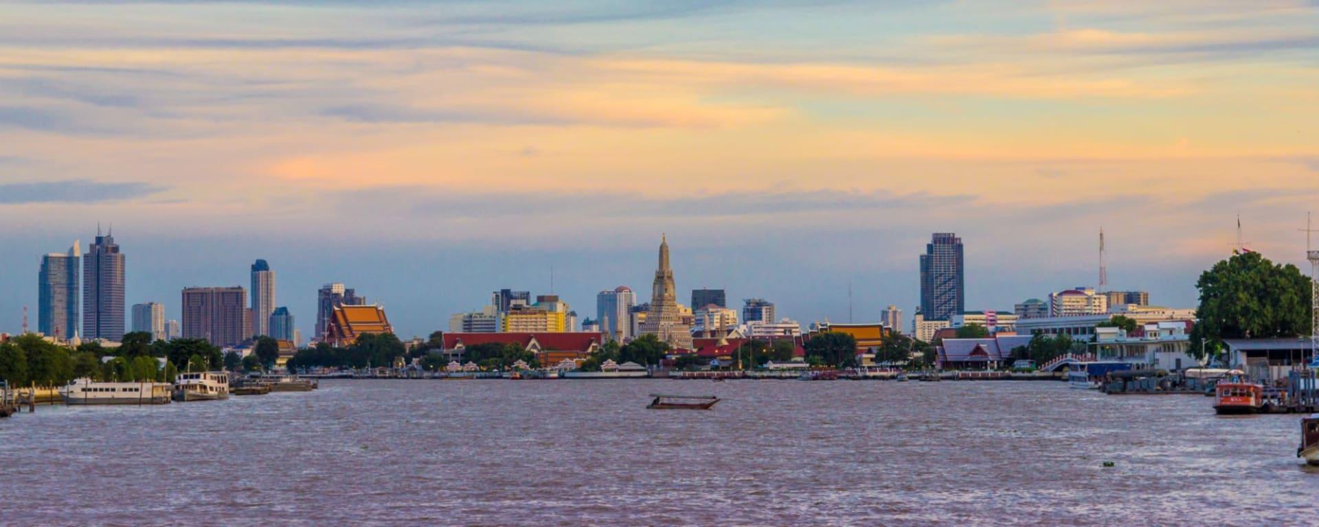 Streifzug durch Bangkoks Umgebung: Bangkok Chao Phraya River