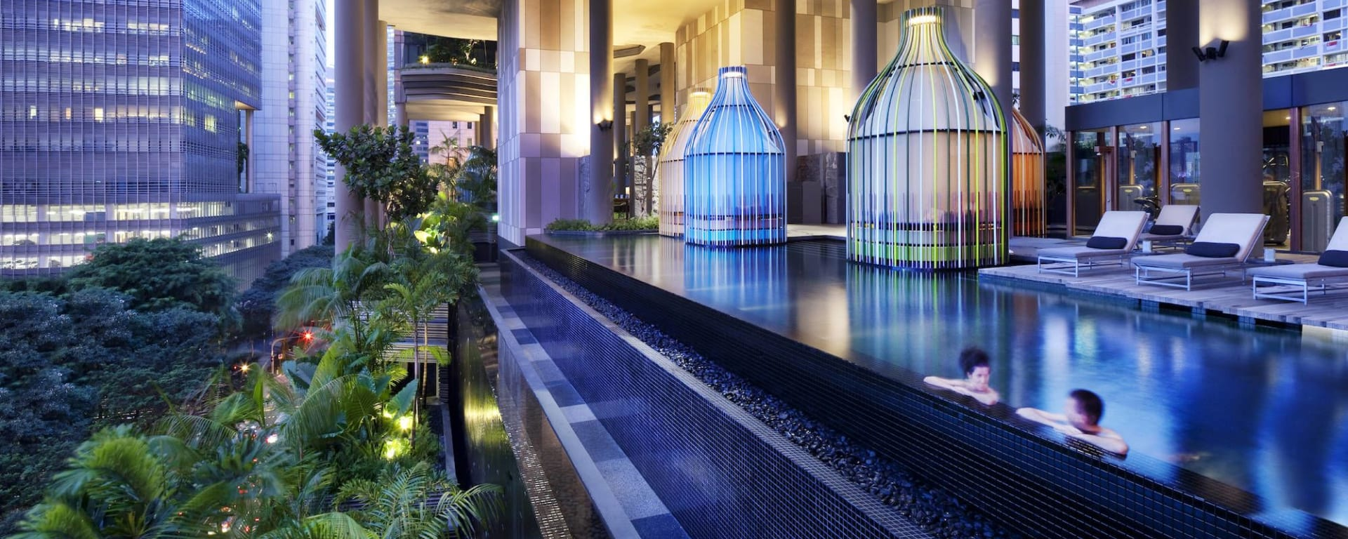 Parkroyal Collection Pickering in Singapur: Dedicated Wellness Floor_Garden Walk and Pool