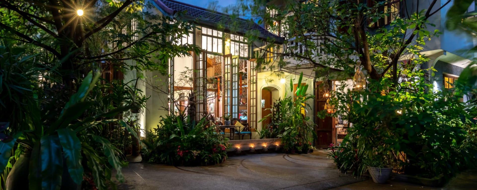 Ariyasom Villa in Bangkok: Exterior