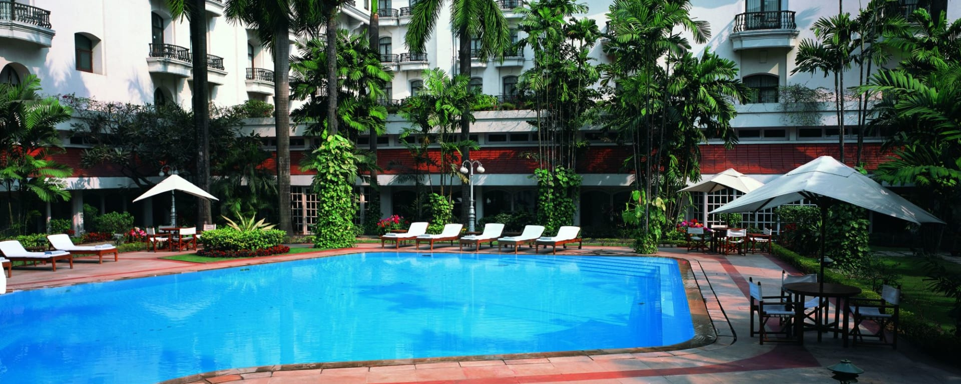 The Oberoi Grand à Kolkata: Pool