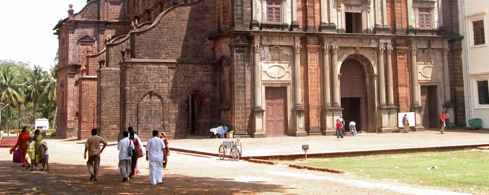 Vielfältiges Goa: Goa Basilica of Bom Jesus 001 - G