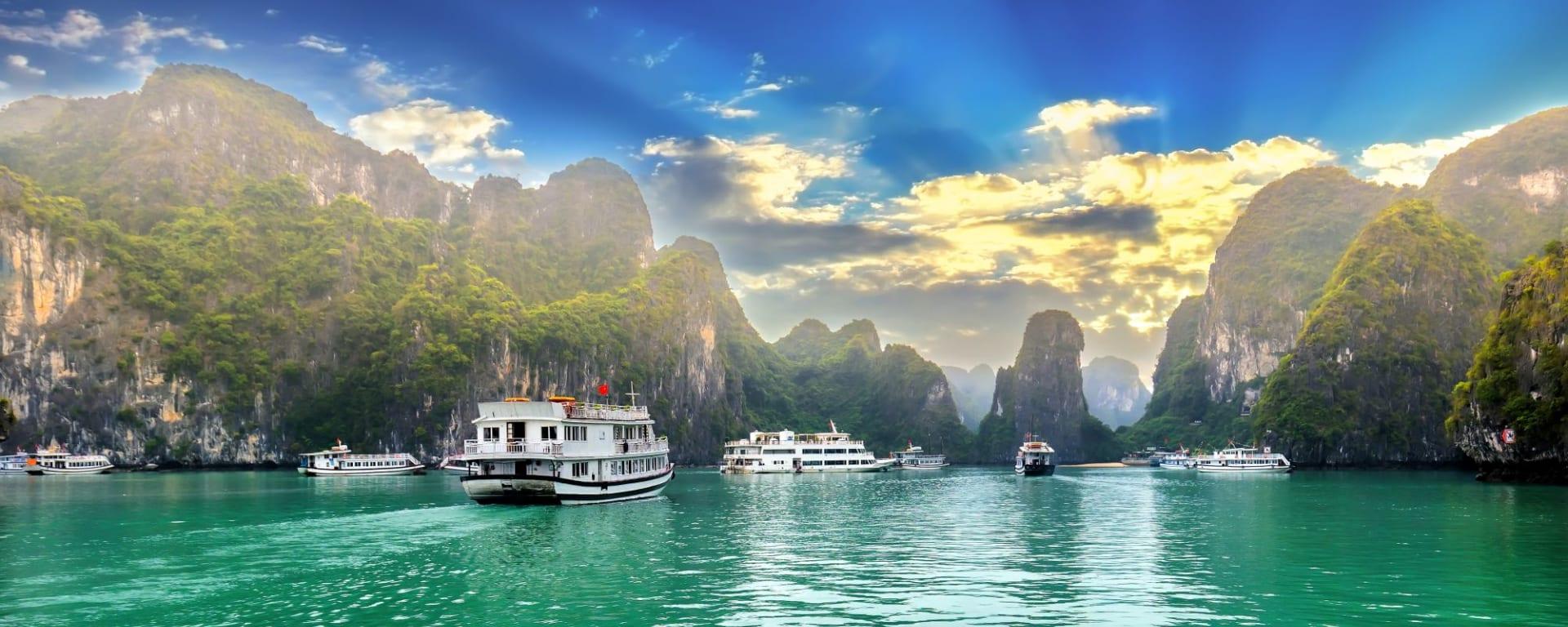Les hauts lieux du Vietnam de Hanoi: Halong Bay