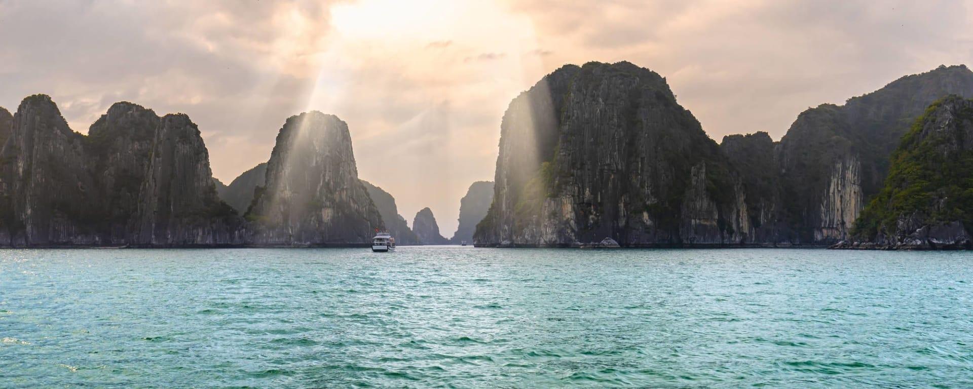 Croisières dans la baie de Halong avec «The Au Co» de Hanoi: Halong Bay