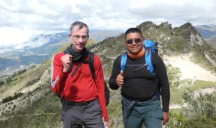 luis-quilotoalake-tour-guide