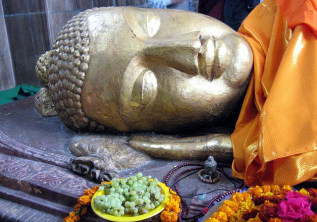 Walking in the Path of the Buddha: A Buddhist Tour of the Indian Subcontinent