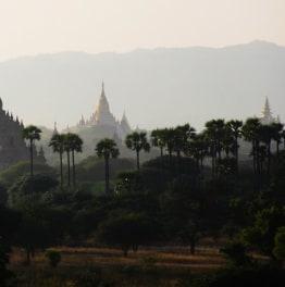 8-Hour Bagan Lacquerware Workshop, Local Market & Religious Highlights Tour