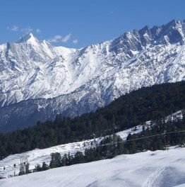 Go for a relaxing trek in the Garhwali Himalayan meadows