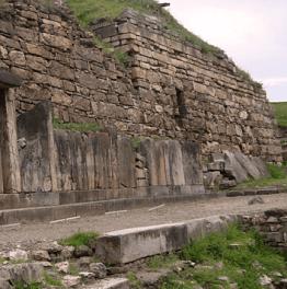 Archeological exploration of a pre-Inca castle