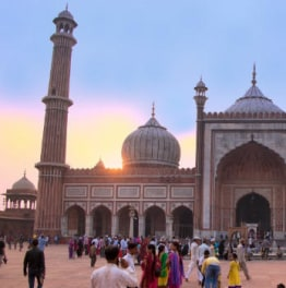 Spend your day discovering Old and New Delhi