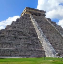 12-Hour Mayan Ruins Tour in the Yucatan Peninsula