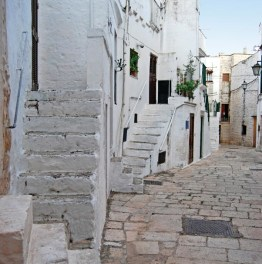 Explore the Towns of Ostuni & Cisternino