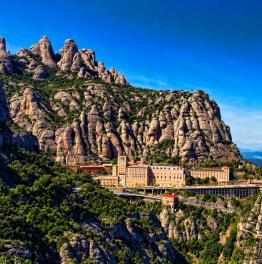 8-Hours Sightseeing Tour of Montserrat & Barcelona