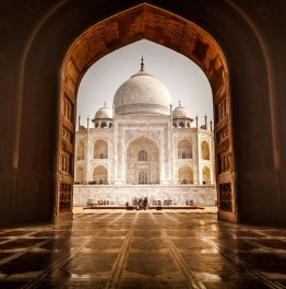 Leave for a Picturesque Taj Mahal Sunrise Tour