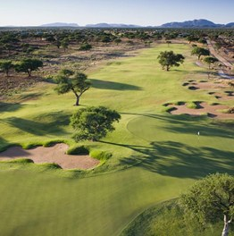 Experience Namibian Golf and Bush Tour