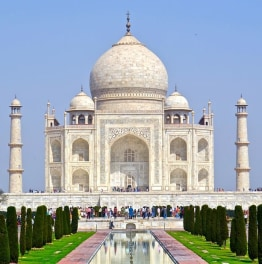 Take a Historical tour to Taj