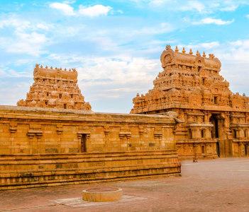 Entrance tower at Hindu Brihadishvara Temple India Tamil Nadu
