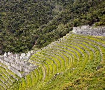 Amazing ruins and terraces at Winay Wayna in Peru