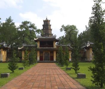 Thiên Mụ Pagoda Hue