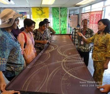 batik showroom